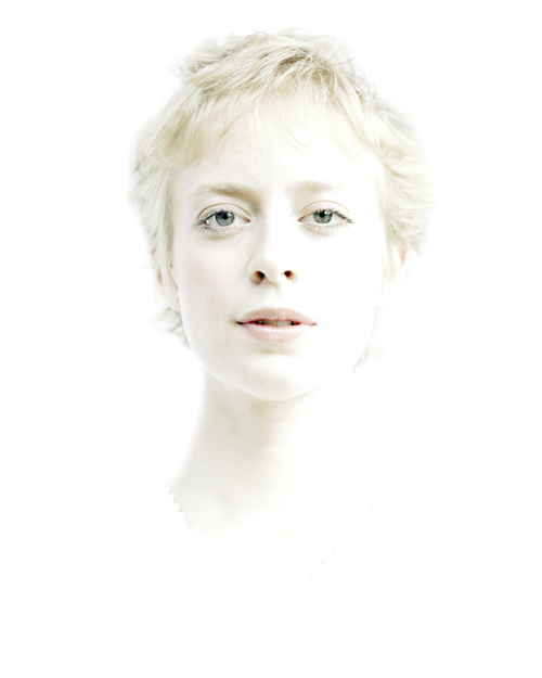Gloria_Bazzocchi_portrait_white_photography_contemporary